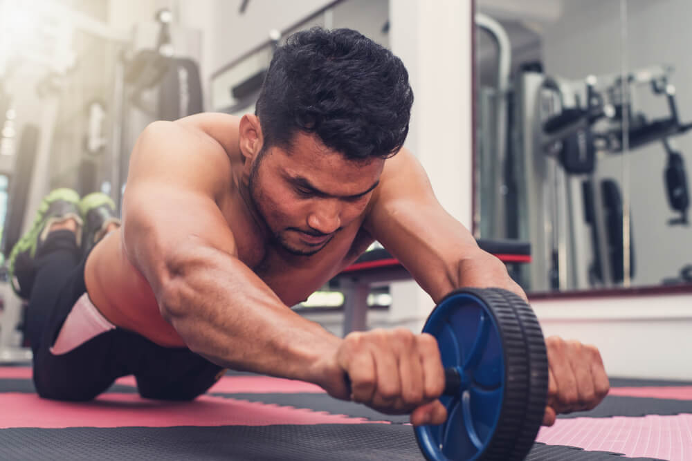 腹筋ローラーは腹筋トレーニングに高い効果を持つ
