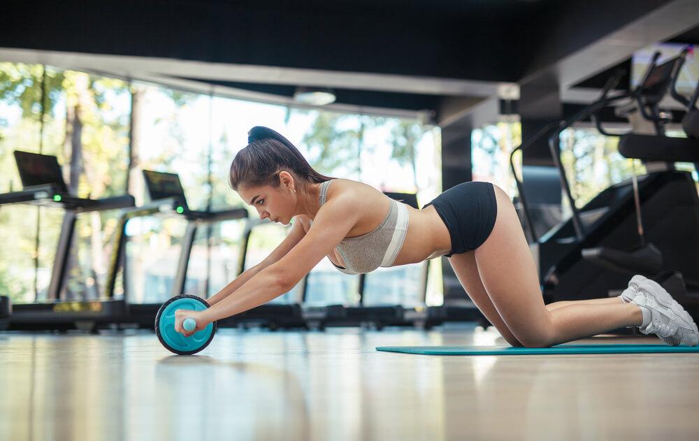 腹筋ローラーは下腹部に効果的