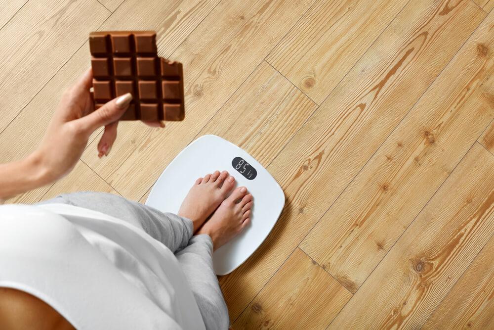 太る一番の要因は間食です