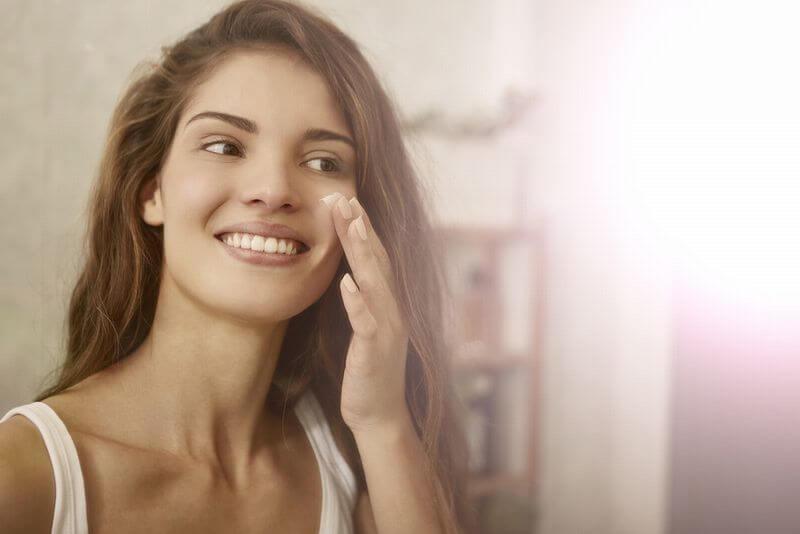 RERUJU(リルジュ) リカバリィエッセンスが年齢肌に効く理由は?